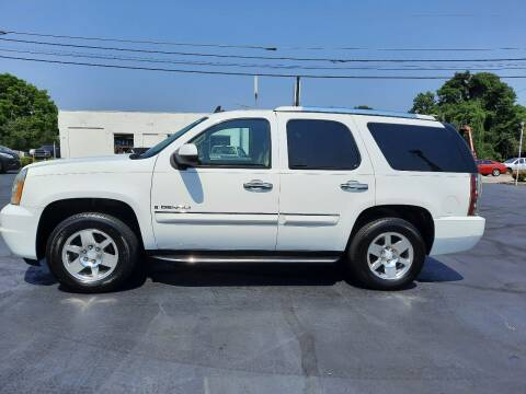 2007 GMC Yukon for sale at G AND J MOTORS in Elkin NC