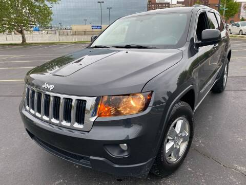 2011 Jeep Grand Cherokee for sale at Supreme Auto Gallery LLC in Kansas City MO