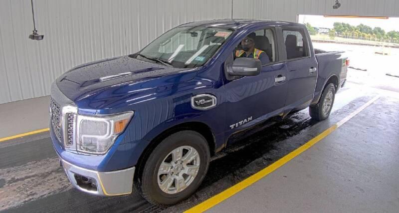2017 Nissan Titan for sale at HERMANOS SANCHEZ AUTO SALES LLC in Dallas TX