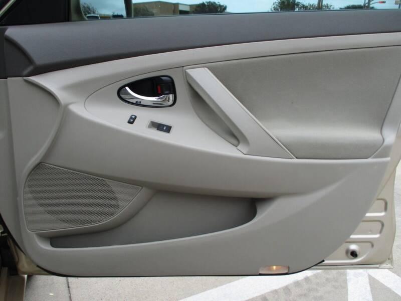 2010 Toyota Camry LE 4dr Sedan 6A - Bryan TX