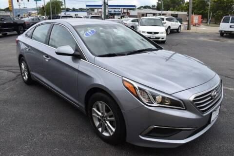 2017 Hyundai Sonata for sale at Grant Park Auto Sales in Rockford IL