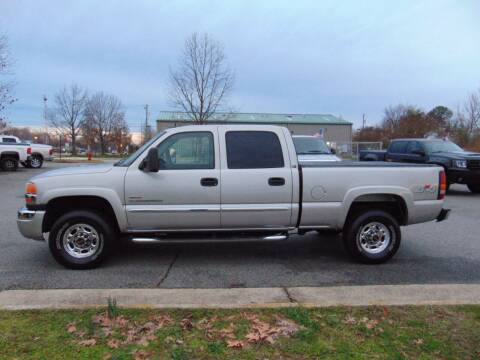 2004 GMC Sierra 2500HD for sale at CR Garland Auto Sales in Fredericksburg VA