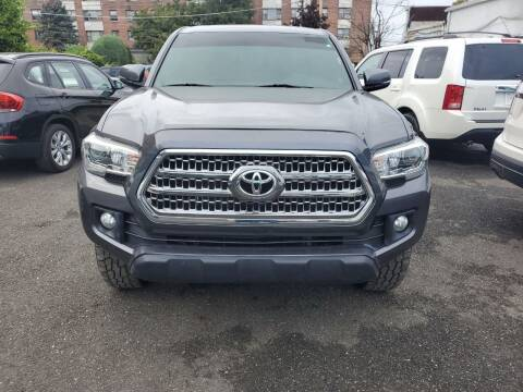 2016 Toyota Tacoma for sale at OFIER AUTO SALES in Freeport NY