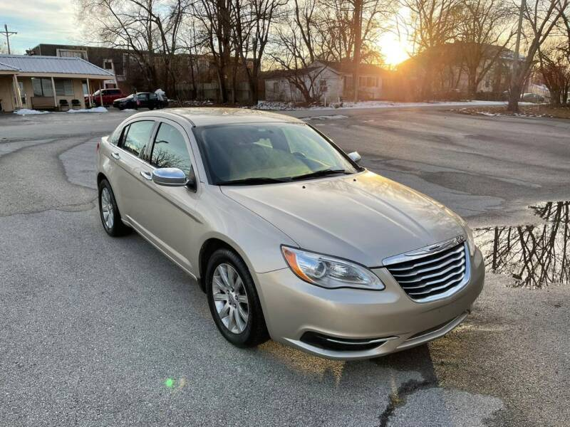 2013 Chrysler 200 for sale at Auto Hub in Grandview MO
