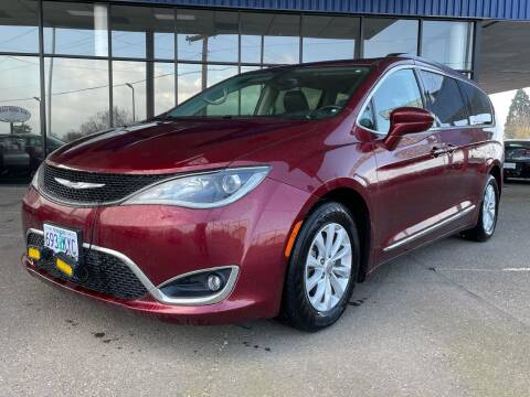 2017 Chrysler Pacifica for sale at South Commercial Auto Sales in Salem OR