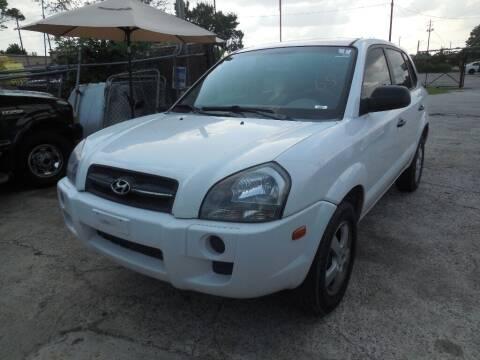 2005 Hyundai Tucson for sale at SCOTT HARRISON MOTOR CO in Houston TX