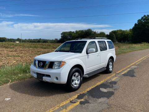 2005 Nissan Pathfinder for sale at Tennessee Valley Wholesale Autos LLC in Huntsville AL