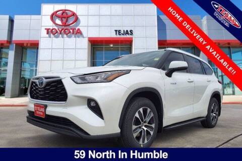 2020 Toyota Highlander Hybrid for sale at TEJAS TOYOTA in Humble TX