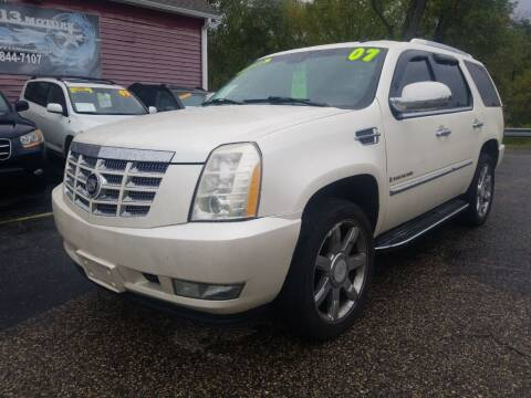 2007 Cadillac Escalade for sale at Hwy 13 Motors in Wisconsin Dells WI