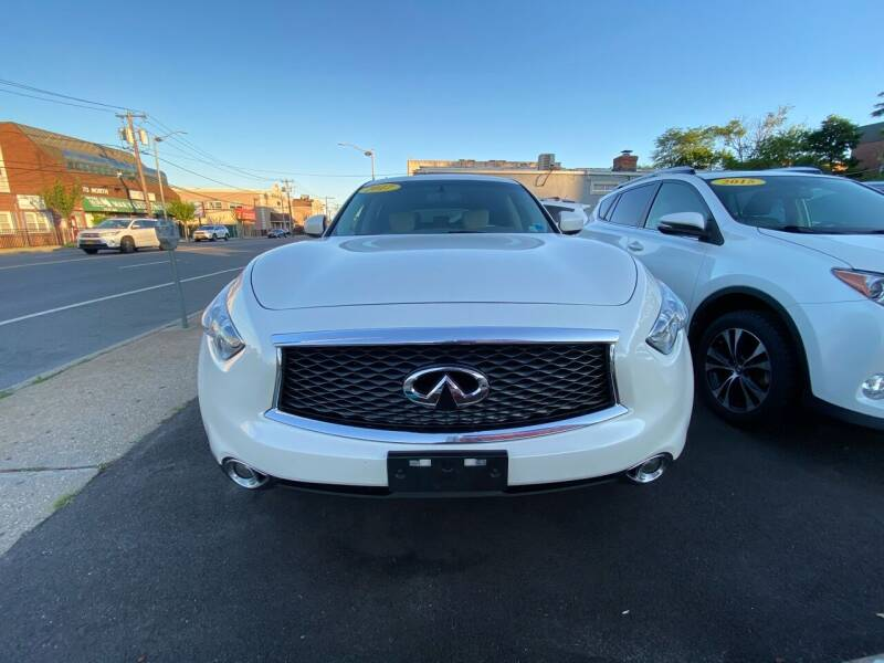 2017 Infiniti QX70 for sale at OFIER AUTO SALES in Freeport NY