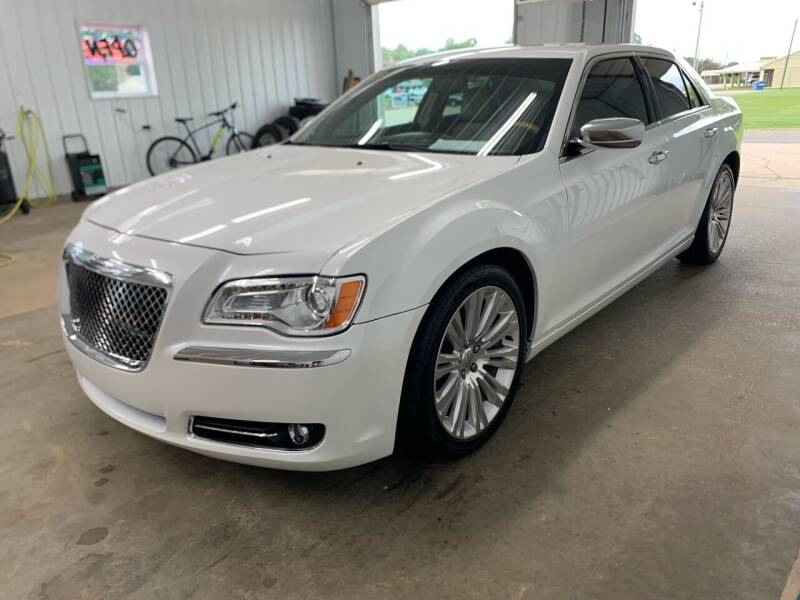 2013 Chrysler 300 for sale at Bennett Motors, Inc. in Mayfield KY