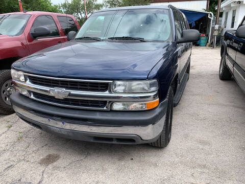 2003 Chevrolet Suburban for sale at BULLSEYE MOTORS INC in New Braunfels TX
