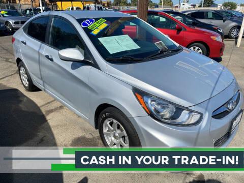2012 Hyundai Accent for sale at El Compadre Auto Plaza in Modesto CA
