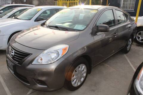 2014 Nissan Versa for sale at FJ Auto Sales in North Hollywood CA