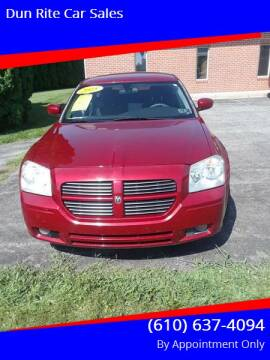 2005 Dodge Magnum for sale at Dun Rite Car Sales in Downingtown PA