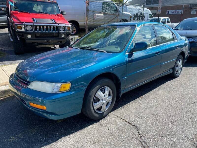 1995 Honda Accord for sale at Drive Deleon in Yonkers NY