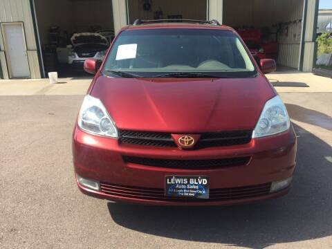 2004 Toyota Sienna for sale at Lewis Blvd Auto Sales in Sioux City IA