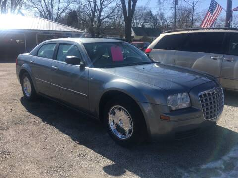 2007 Chrysler 300 for sale at Antique Motors in Plymouth IN