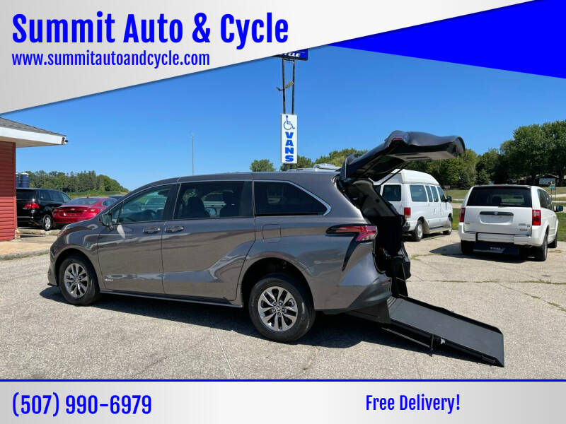 2021 Toyota Sienna for sale at Summit Auto & Cycle in Zumbrota MN