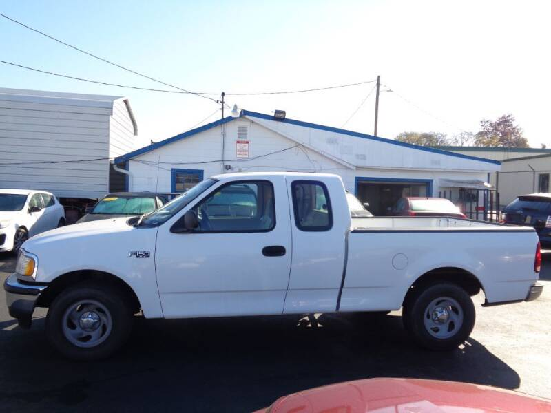 1997 Ford F-150 for sale at Cars Unlimited Inc in Lebanon TN