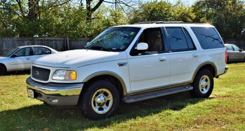 2001 Ford Expedition for sale at PINNACLE ROAD AUTOMOTIVE LLC in Moraine OH