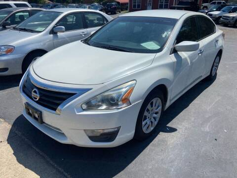 2013 Nissan Altima for sale at Sartins Auto Sales in Dyersburg TN
