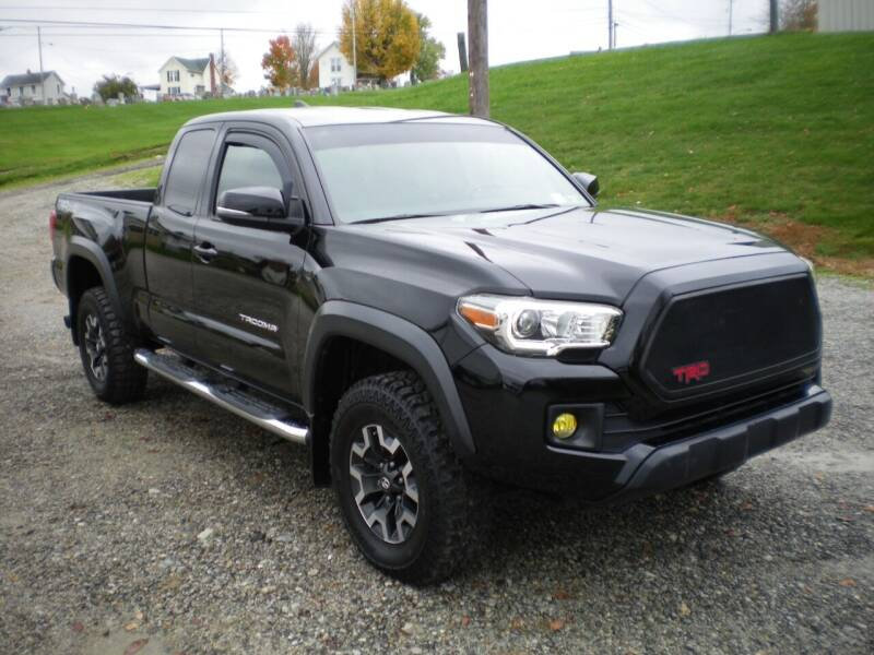 2017 Toyota Tacoma 4x4 TRD Sport 4dr Access Cab 6.1 ft LB 6A - Barnesville OH