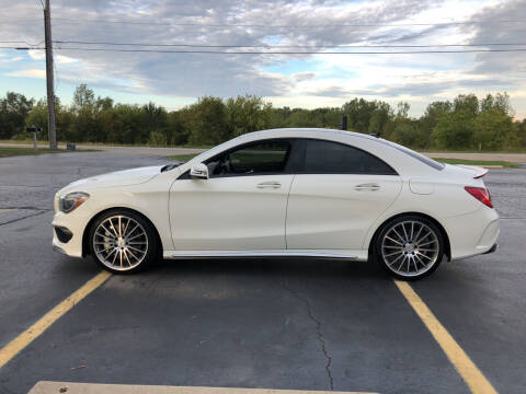 2015 Mercedes-Benz CLA for sale at Fox Valley Motorworks in Lake In The Hills IL
