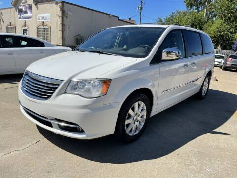 2011 Chrysler Town and Country for sale at T & G / Auto4wholesale in Parma OH