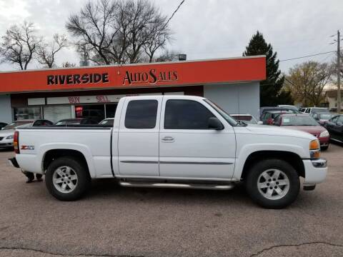 2006 GMC Sierra 1500 for sale at RIVERSIDE AUTO SALES in Sioux City IA