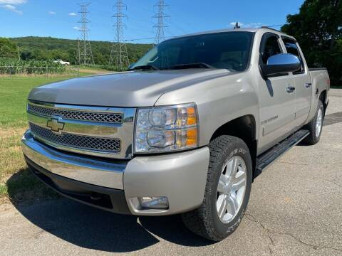 2007 Chevrolet Silverado 1500 for sale at Tennessee Valley Wholesale Autos LLC in Huntsville AL
