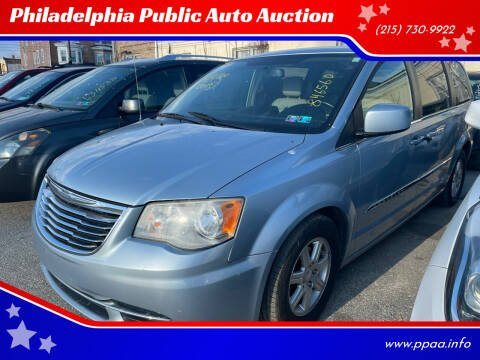 2013 Chrysler Town and Country for sale at Philadelphia Public Auto Auction in Philadelphia PA