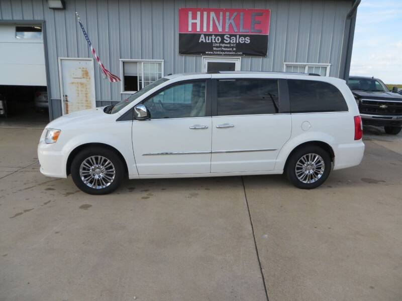 2011 Chrysler Town and Country for sale in Mount Pleasant, IA