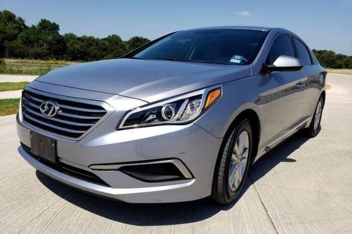 2016 Hyundai Sonata for sale at Classic Car Deals in Cadillac MI