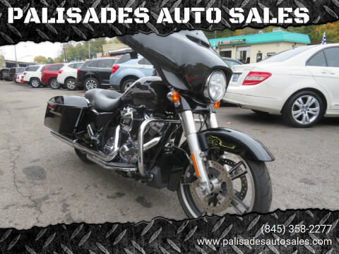 2017 Harley-Davidson FLHXS STREET GLIDE SPECIAL for sale at PALISADES AUTO SALES in Nyack NY