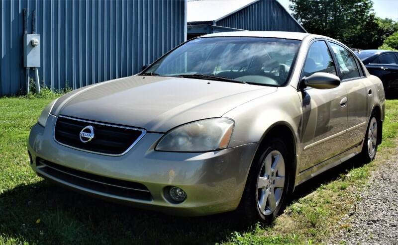 2002 Nissan Altima for sale at PINNACLE ROAD AUTOMOTIVE LLC in Moraine OH
