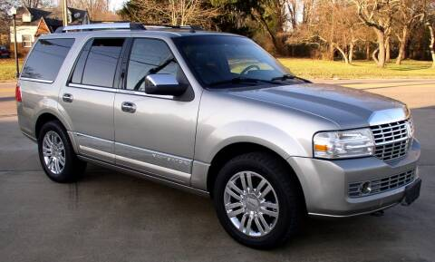 2008 Lincoln Navigator for sale at Angelo's Auto Sales in Lowellville OH