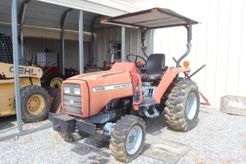 2004 Massey Ferguson 1429 for sale at Vehicle Network - Joe's Tractor Sales in Thomasville NC