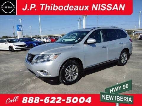 2015 Nissan Pathfinder for sale at J P Thibodeaux Used Cars in New Iberia LA