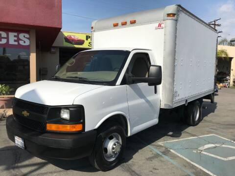 2012 Chevrolet Express Cutaway for sale at Sanmiguel Motors in South Gate CA