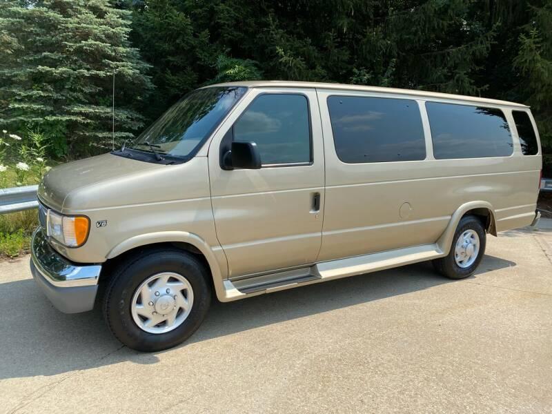 2000 Ford E-350 for sale in Niles, MI