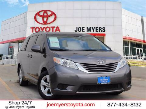 2017 Toyota Sienna for sale at Joe Myers Toyota PreOwned in Houston TX