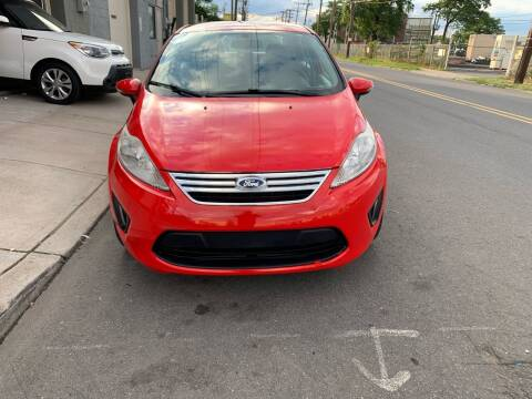 2013 Ford Fiesta for sale at SUNSHINE AUTO SALES LLC in Paterson NJ