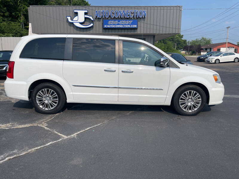2014 Chrysler Town and Country for sale in Jefferson City, MO