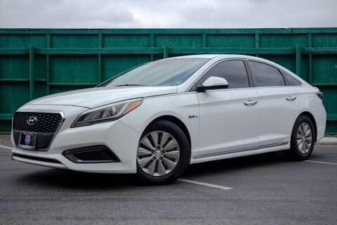2016 Hyundai Sonata Hybrid for sale at 605 Auto  Inc. in Bellflower CA