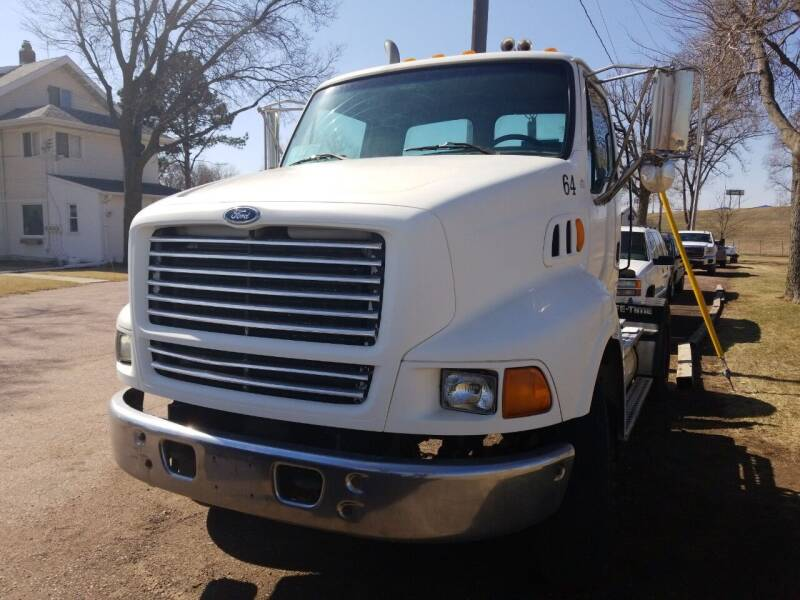 1998 Ford Louisville 8500 for sale at RLS Enterprises in Sioux Falls SD