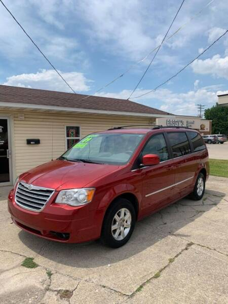 2009 Chrysler Town and Country for sale at Adan Auto Credit in Effingham IL