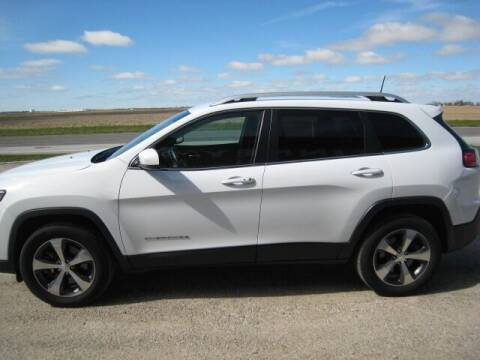 2019 Jeep Cherokee for sale at FINNEY'S AUTO & TRUCK in Atlanta IN