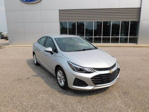 2019 Chevrolet Cruze for sale at Ray Skillman Hoosier Ford in Martinsville IN
