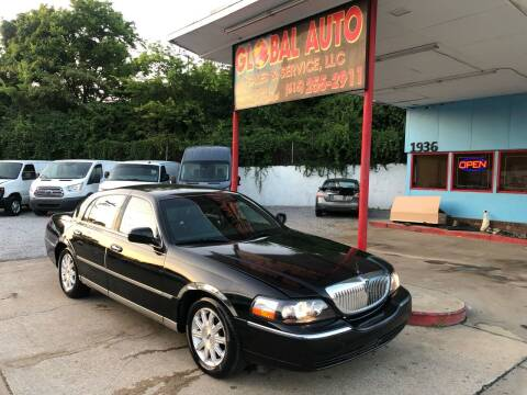 2009 Lincoln Town Car for sale at Global Auto Sales and Service in Nashville TN